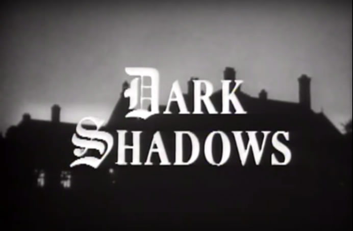 Dark Shadows: Collinwood at nigt