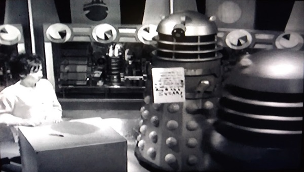 Daleks reading